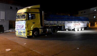Şahinbey'den İzmir'e yardım TIR'ı yola çıktı