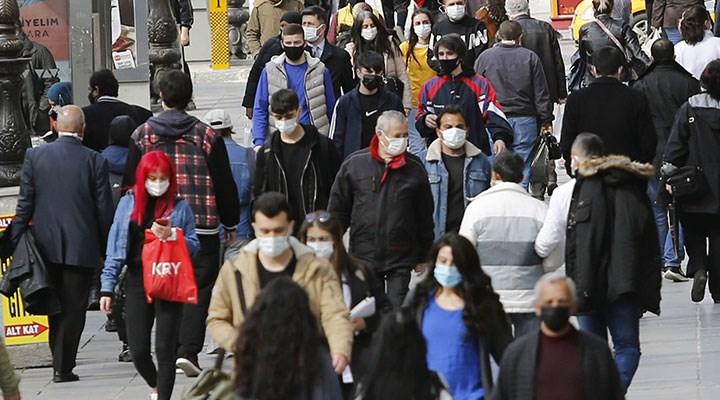 """Bilim Kurulu üyesi: 4'üncü dalga, """"aşısızlar pandemisi"""" olabilir"""